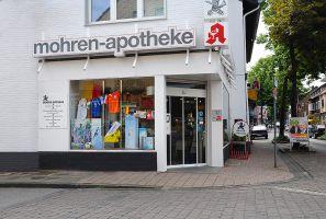 Eckansicht des Ladenlokals der Mohren-Apotheke